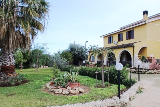 villa for sale ognina